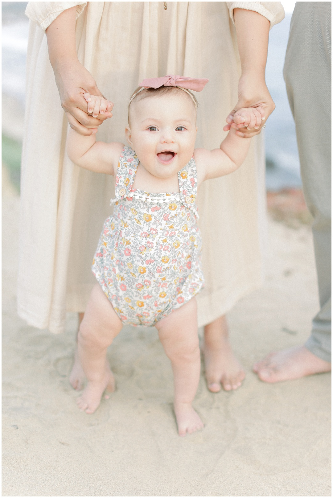 Newport_Beach_Newborn_Light_Airy_Natural_Photographer_Newport_Beach_Photographer_Orange_County_Family_Photographer_Cori_Kleckner_Photography_Huntington_Beach_Photographer_Family_OC_Newborn_Natalie_Nunez_Thomas_Nunez_Natalie_Roca_Rosh_Nunez_Family_3544.jpg
