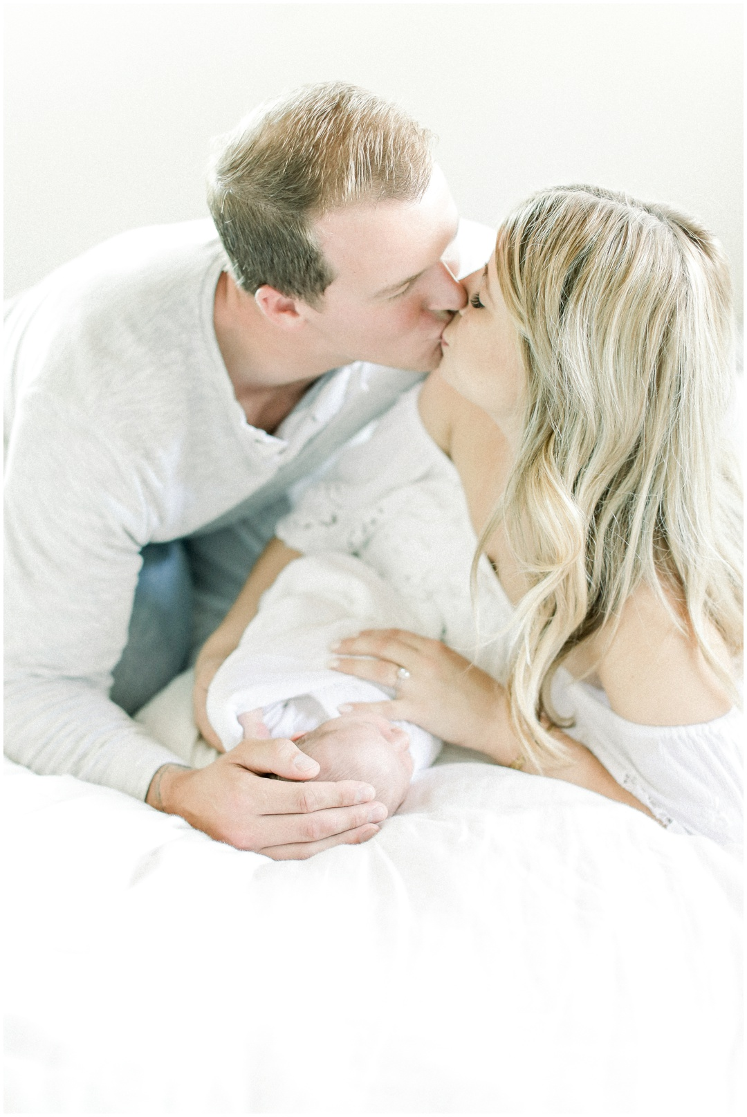 Newport_Beach_Newborn_Light_Airy_Natural_Photographer_Newport_Beach_Photographer_Orange_County_Family_Photographer_Cori_Kleckner_Photography_Huntington_Beach_Photographer_Family_OC_Newborn_Megan_Bradley_Schueneman_Charlie_Schueneman_Dean__3597.jpg