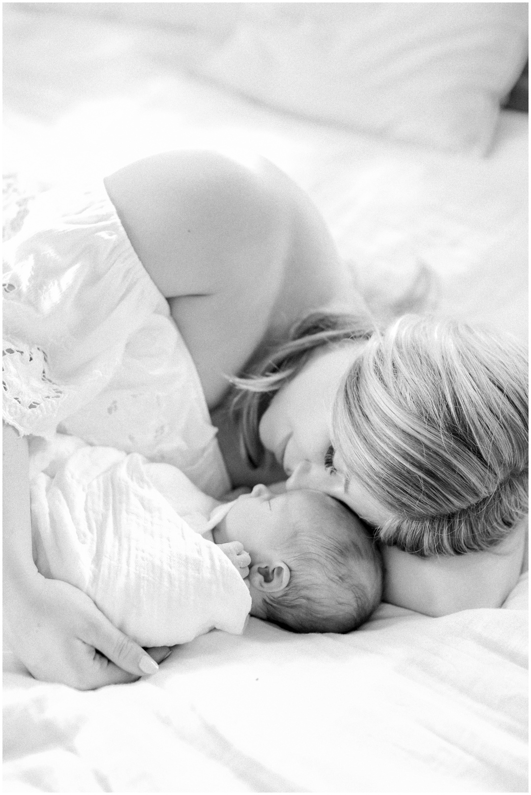 Newport_Beach_Newborn_Light_Airy_Natural_Photographer_Newport_Beach_Photographer_Orange_County_Family_Photographer_Cori_Kleckner_Photography_Huntington_Beach_Photographer_Family_OC_Newborn_Megan_Bradley_Schueneman_Charlie_Schueneman_Dean__3601.jpg