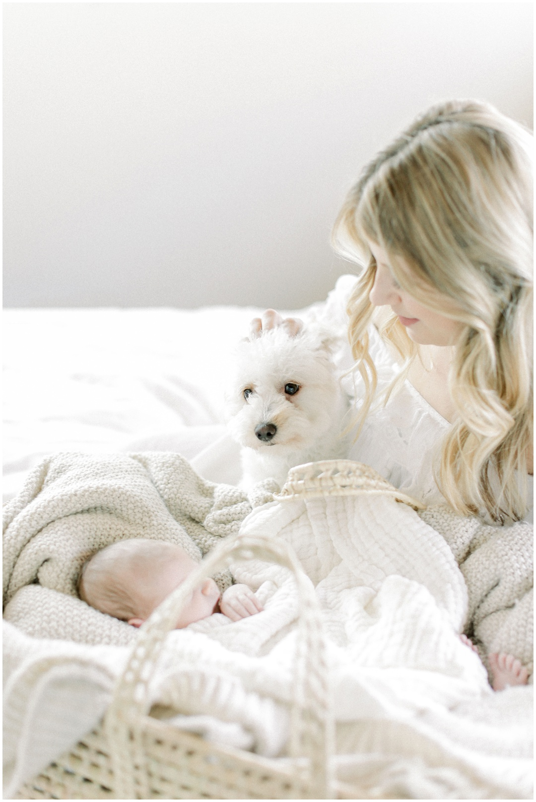 Newport_Beach_Newborn_Light_Airy_Natural_Photographer_Newport_Beach_Photographer_Orange_County_Family_Photographer_Cori_Kleckner_Photography_Huntington_Beach_Photographer_Family_OC_Newborn_Megan_Bradley_Schueneman_Charlie_Schueneman_Dean__3604.jpg