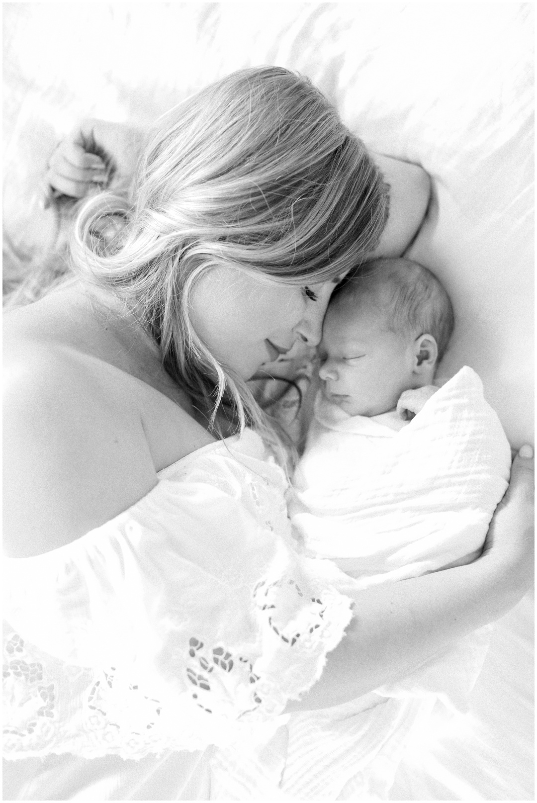 Newport_Beach_Newborn_Light_Airy_Natural_Photographer_Newport_Beach_Photographer_Orange_County_Family_Photographer_Cori_Kleckner_Photography_Huntington_Beach_Photographer_Family_OC_Newborn_Megan_Bradley_Schueneman_Charlie_Schueneman_Dean__3606.jpg