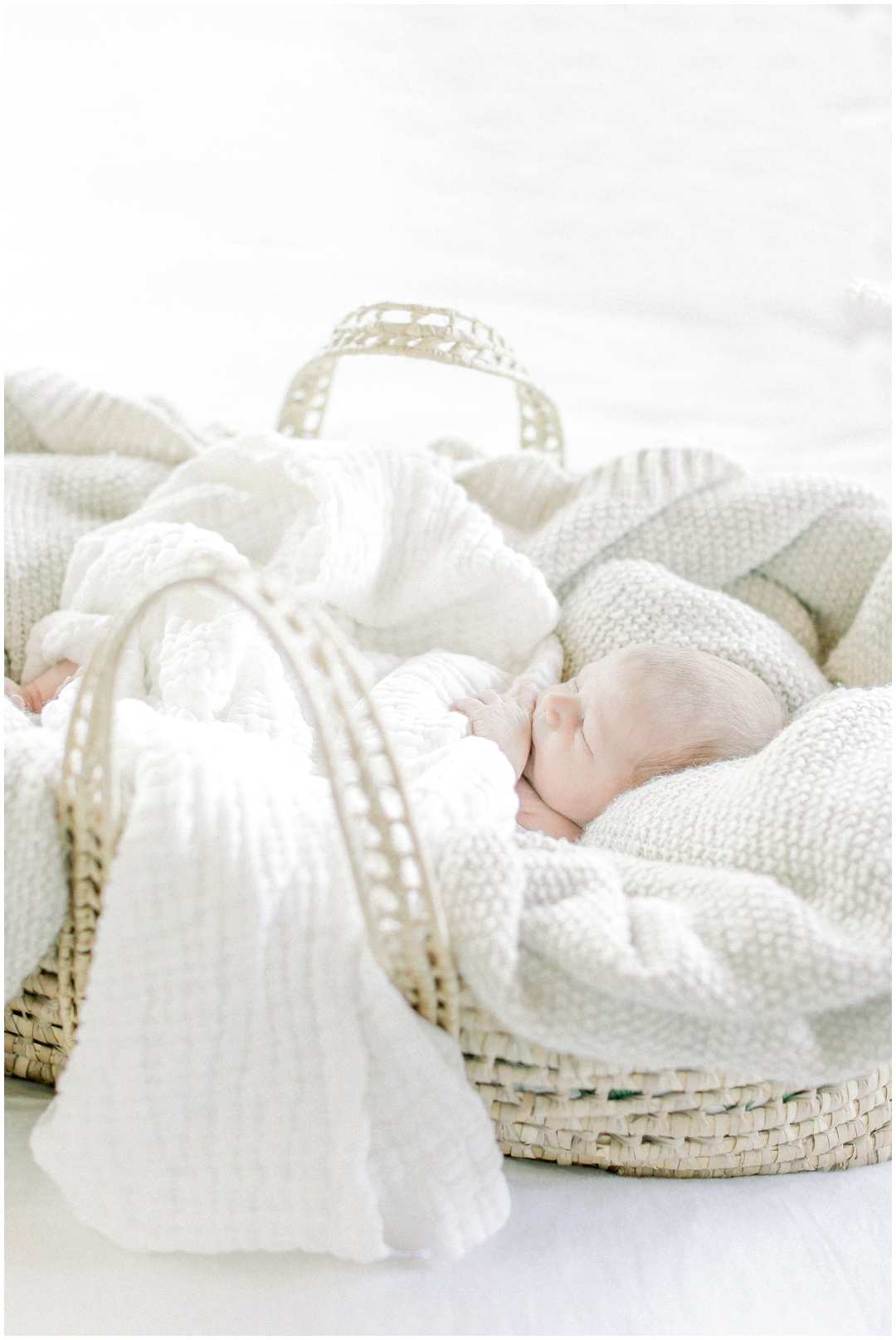 Newport_Beach_Newborn_Light_Airy_Natural_Photographer_Newport_Beach_Photographer_Orange_County_Family_Photographer_Cori_Kleckner_Photography_Huntington_Beach_Photographer_Family_OC_Newborn_Megan_Bradley_Schueneman_Charlie_Schueneman_Dean__3609.jpg