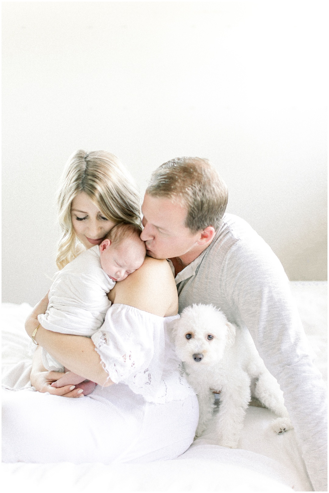 Newport_Beach_Newborn_Light_Airy_Natural_Photographer_Newport_Beach_Photographer_Orange_County_Family_Photographer_Cori_Kleckner_Photography_Huntington_Beach_Photographer_Family_OC_Newborn_Megan_Bradley_Schueneman_Charlie_Schueneman_Dean__3610.jpg