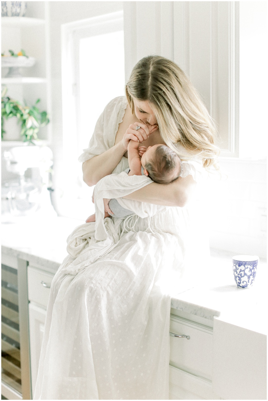 Newport_Beach_Newborn_Light_Airy_Natural_Photographer_Newport_Beach_Photographer_Orange_County_Family_Photographer_Cori_Kleckner_Photography_Huntington_Beach_Photographer_Family_OC_Maternity_Breanna_Santillo__3690.jpg