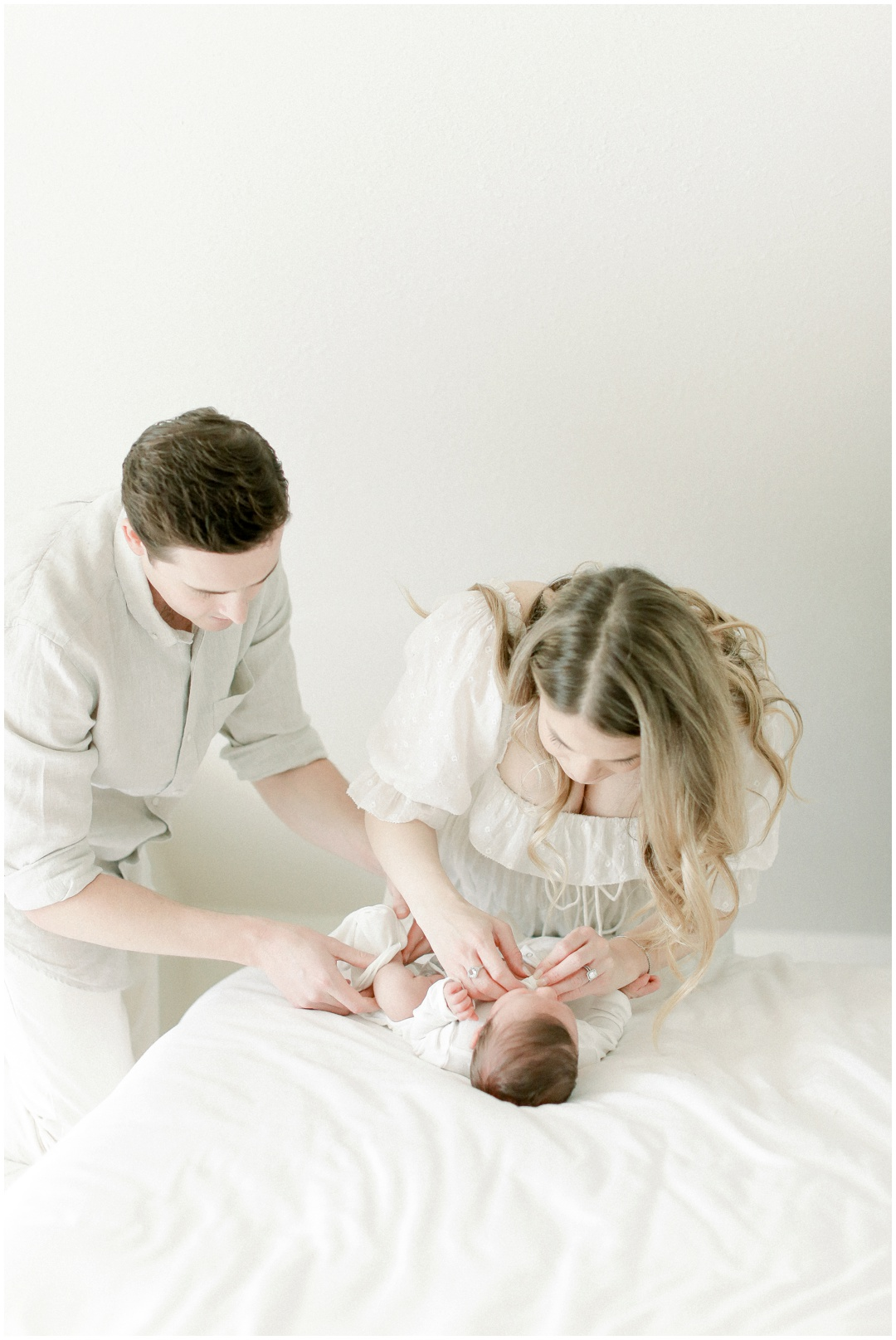 Newport_Beach_Newborn_Light_Airy_Natural_Photographer_Newport_Beach_Photographer_Orange_County_Family_Photographer_Cori_Kleckner_Photography_Huntington_Beach_Photographer_Family_OC_Maternity_Breanna_Santillo__3685.jpg