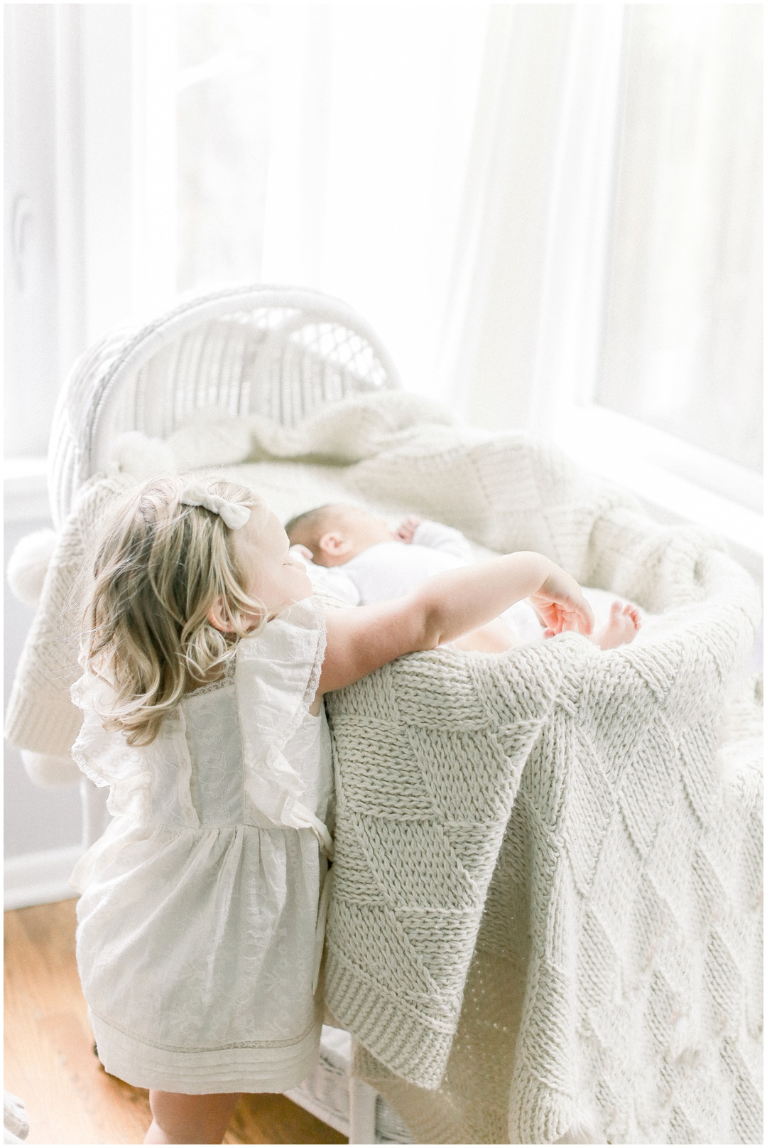 Newport_Beach_Newborn_Light_Airy_Natural_Photographer_Newport_Beach_Photographer_Orange_County_Family_Photographer_Cori_Kleckner_Photography_Newport_Beach_Photographer_Blaire_Baker_Brett_Baker_Caroline_Baker__3890.jpg