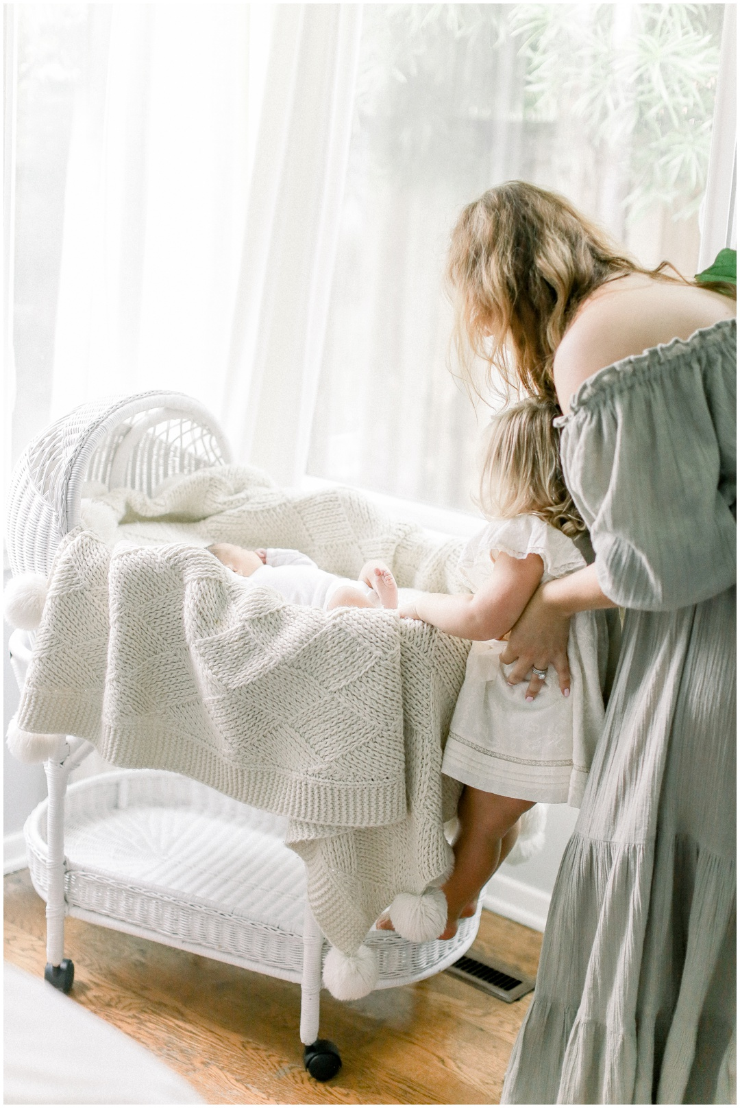 Newport_Beach_Newborn_Light_Airy_Natural_Photographer_Newport_Beach_Photographer_Orange_County_Family_Photographer_Cori_Kleckner_Photography_Newport_Beach_Photographer_Blaire_Baker_Brett_Baker_Caroline_Baker__3891.jpg