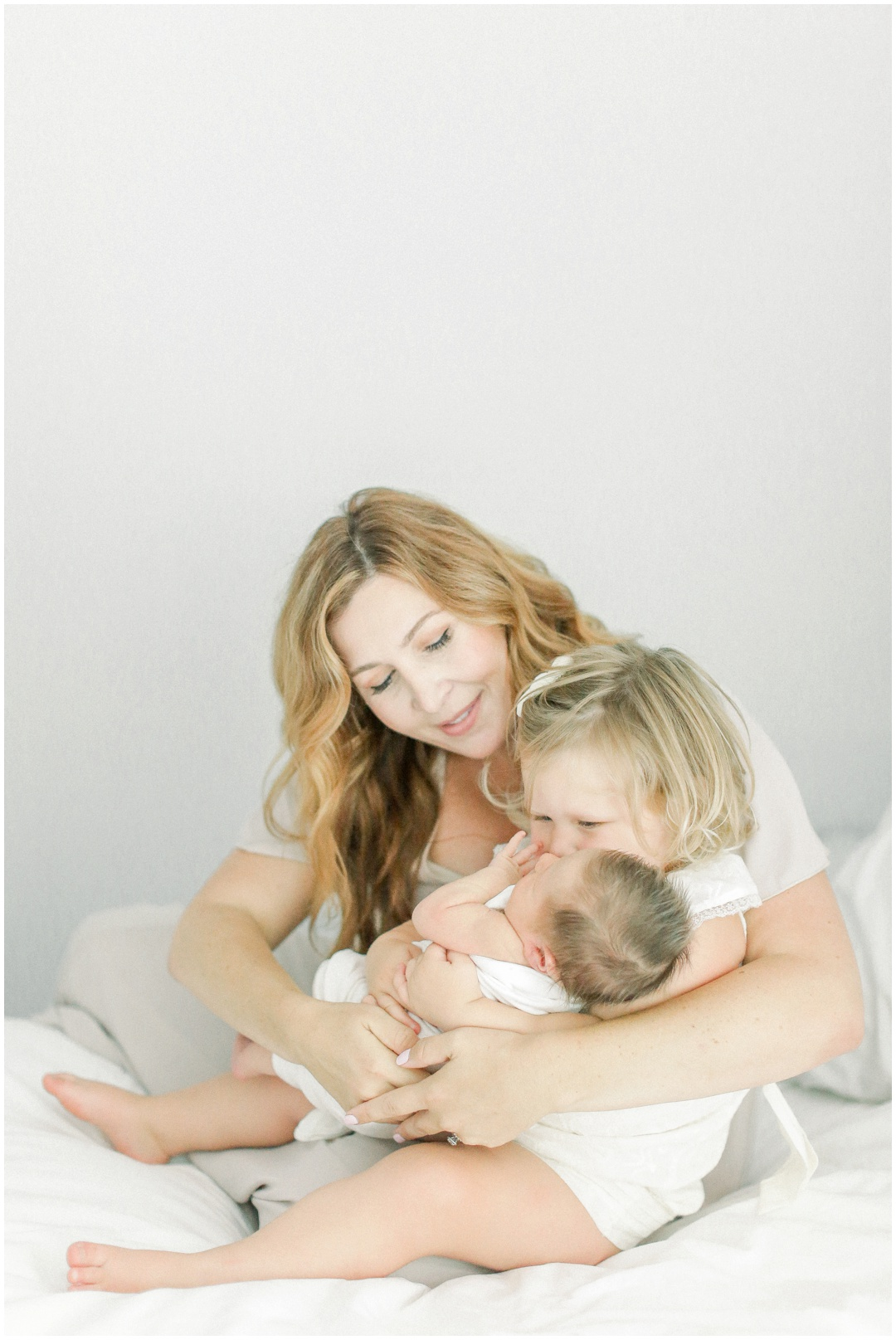 Newport_Beach_Newborn_Light_Airy_Natural_Photographer_Newport_Beach_Photographer_Orange_County_Family_Photographer_Cori_Kleckner_Photography_Newport_Beach_Photographer_Blaire_Baker_Brett_Baker_Caroline_Baker__3921.jpg