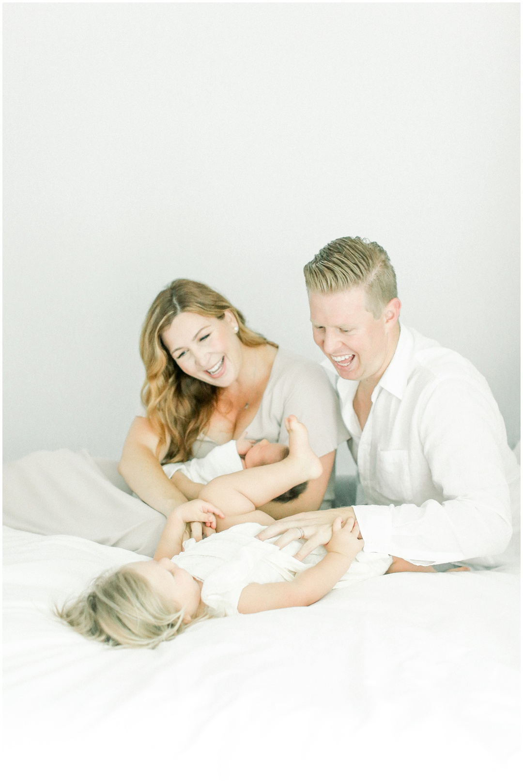 Newport_Beach_Newborn_Light_Airy_Natural_Photographer_Newport_Beach_Photographer_Orange_County_Family_Photographer_Cori_Kleckner_Photography_Newport_Beach_Photographer_Blaire_Baker_Brett_Baker_Caroline_Baker__3941.jpg