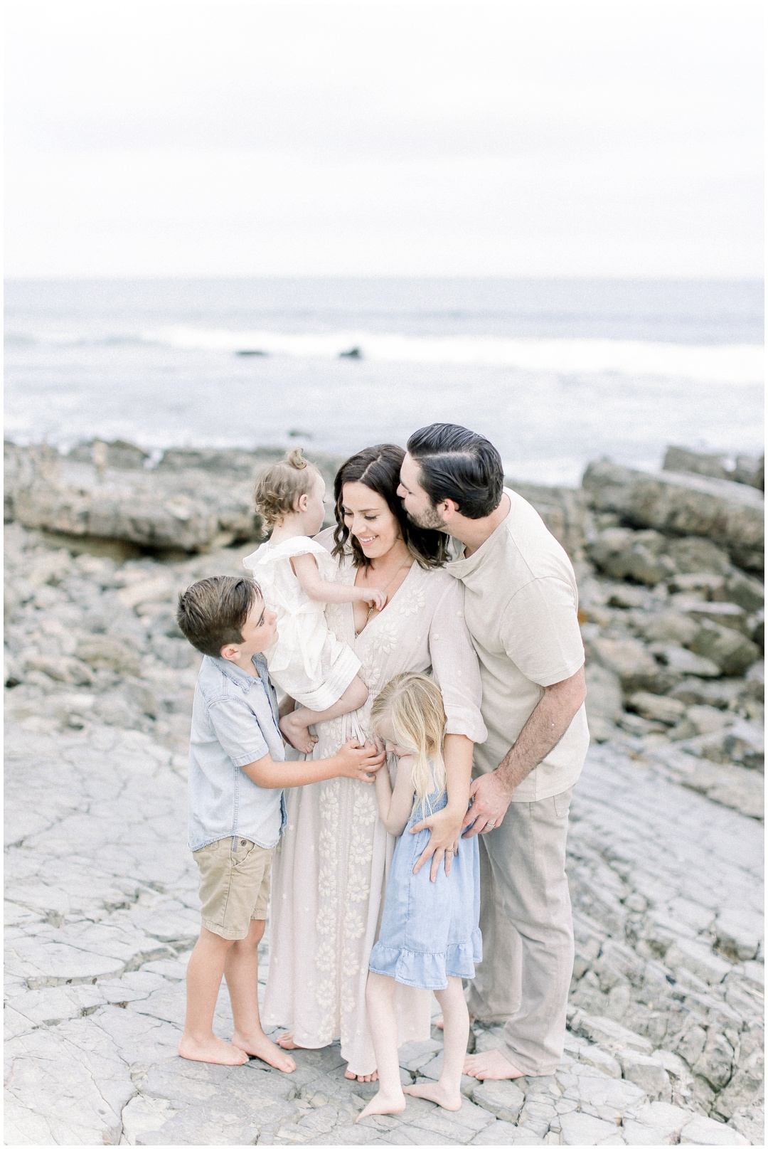 Newport_Beach_Newborn_Light_Airy_Natural_Photographer_Newport_Beach_Photographer_Orange_County_Family_Photographer_Cori_Kleckner_Photography_Newport_Beach_Photographer_Alexis_McElwee__4040.jpg