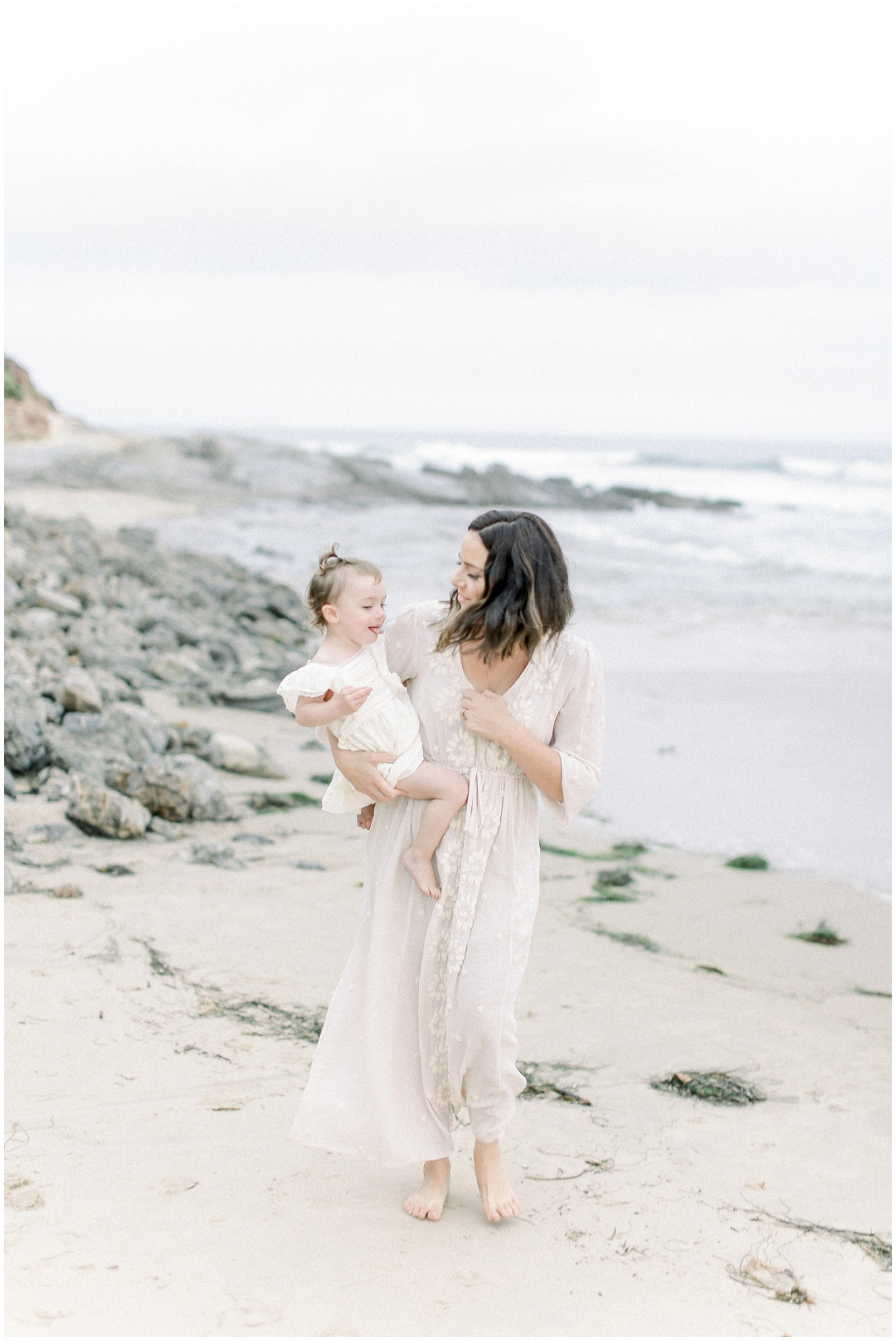Newport_Beach_Newborn_Light_Airy_Natural_Photographer_Newport_Beach_Photographer_Orange_County_Family_Photographer_Cori_Kleckner_Photography_Newport_Beach_Photographer_Alexis_McElwee__4037.jpg