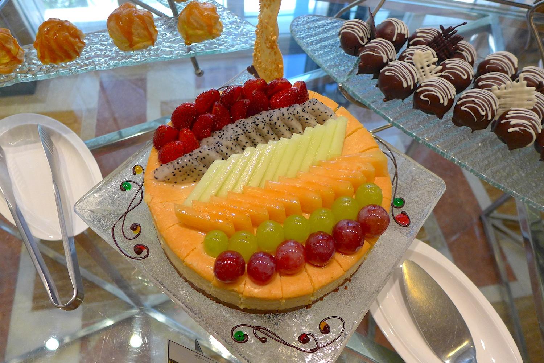 Fruit Cheesecake.