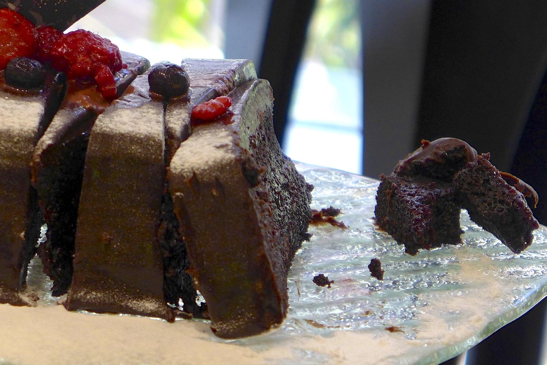 Super moist chocolate cake. Mmmm, yummy.