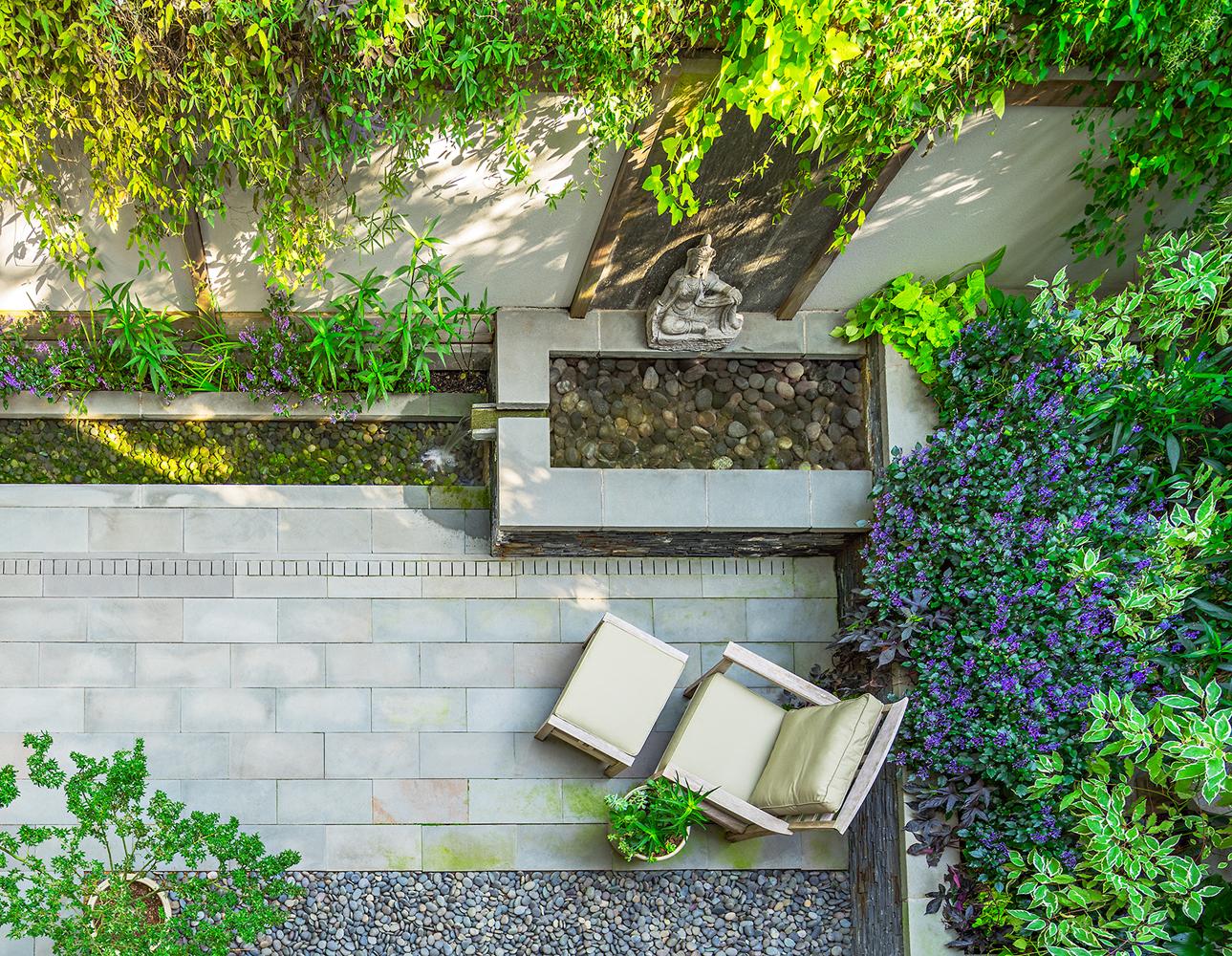 ContemporaryGarden_patio2.jpg