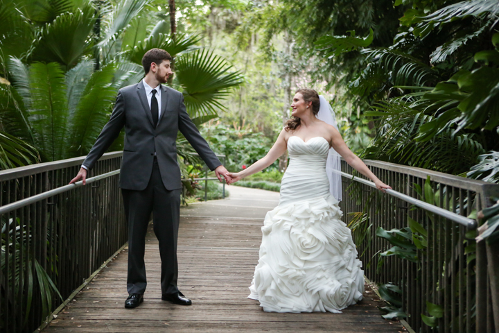 Orlando-Wedding-Photographer-Rollins-college-Lew-Gardens-23.jpg