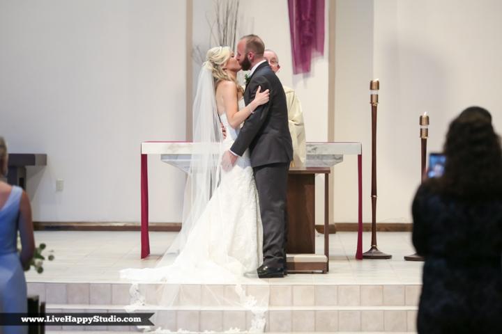 www,livehappystudio.com-orlando-wedding-photography-st-margaret-mary-catholic-church-15.jpg