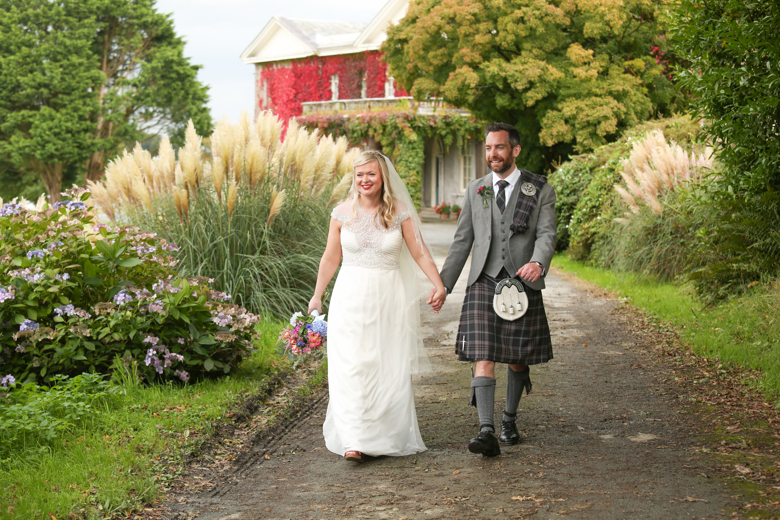 orlando-wedding-photographer-destination-wedding-scotland-castle-kilt.jpg
