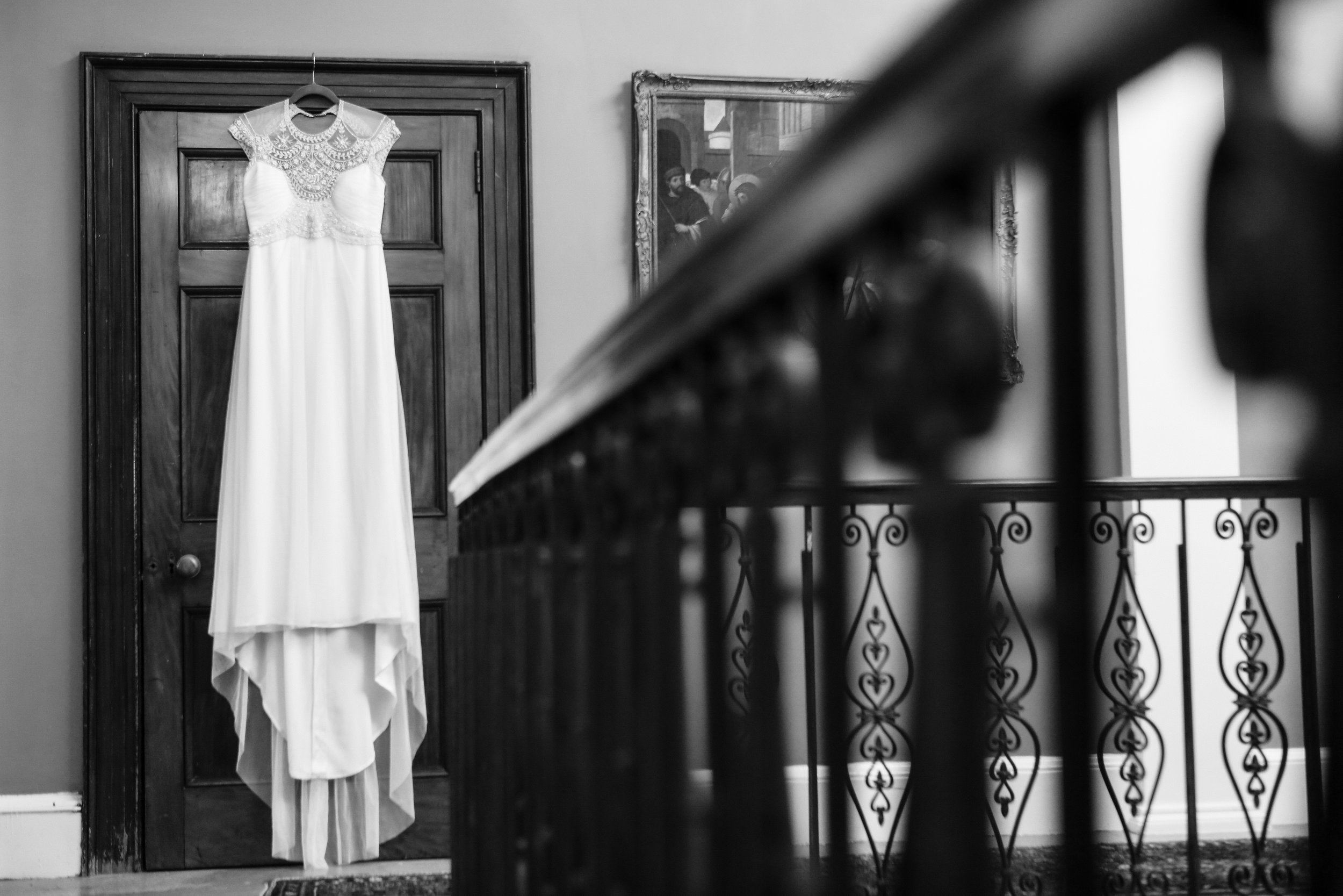 orlando-wedding-photographer-live-happy-studio-b&W-dress-details.jpg
