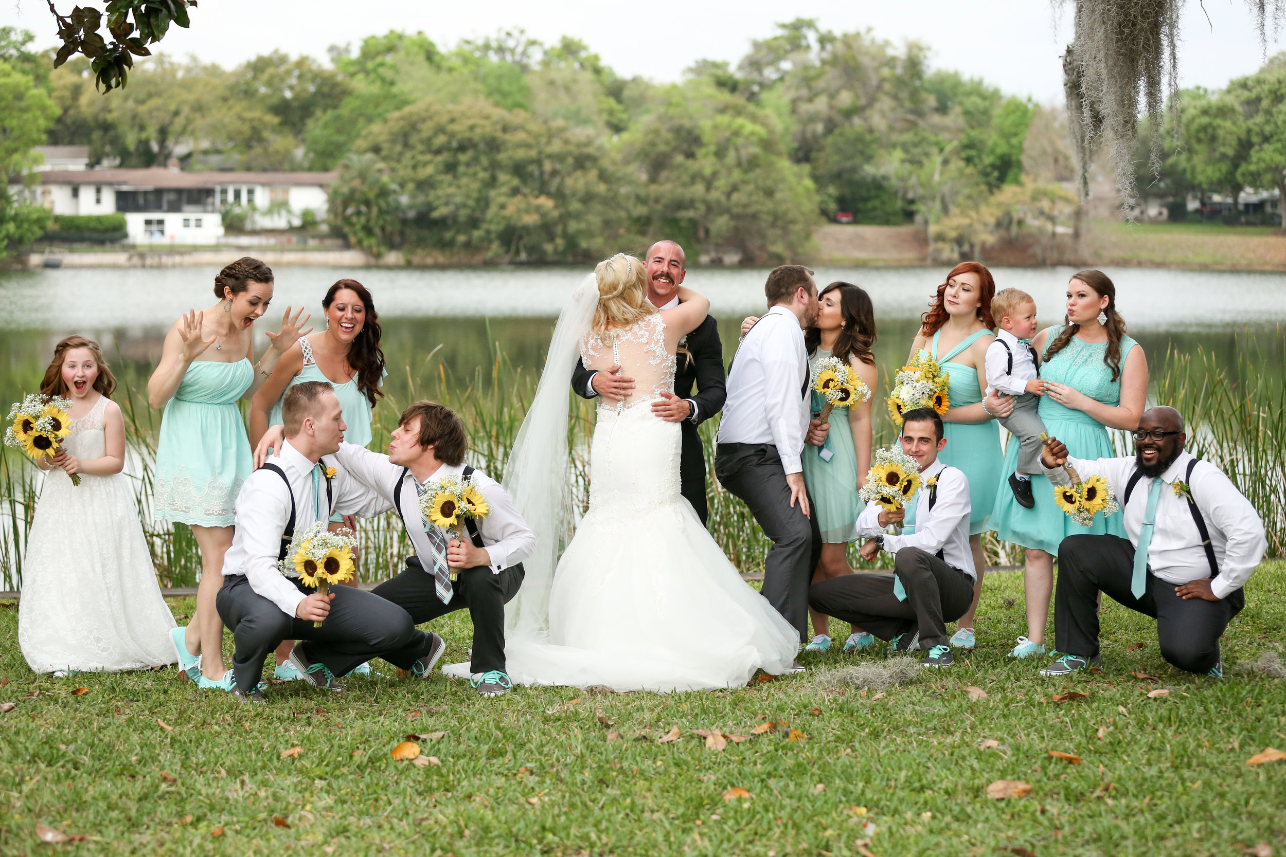 orlando-wedding-photographer-live-happy-studio-fun-portrait-bridal-party.jpg