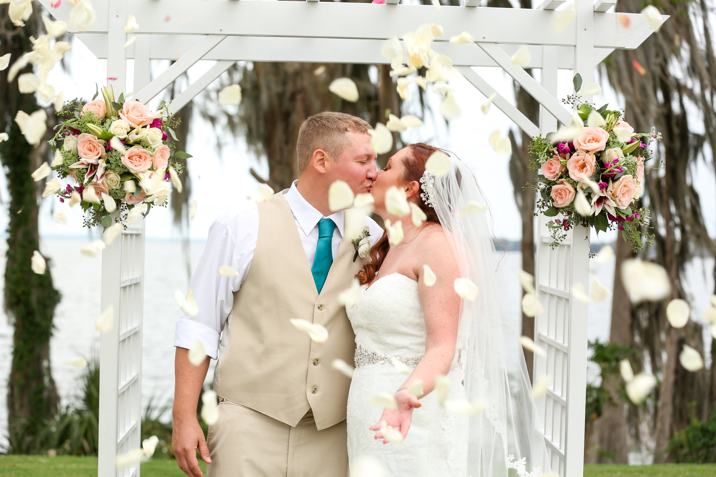 orlando-wedding-photographer-www.livehappystudio.com-mission-inn-flowers-outdoor-lake-marina-del-rey.jpg