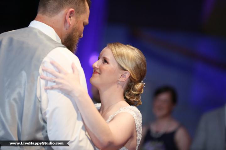 www.livehappystudio.com-orlando-wedding-photography-orlando-science-center-23-reception-dance.jpg