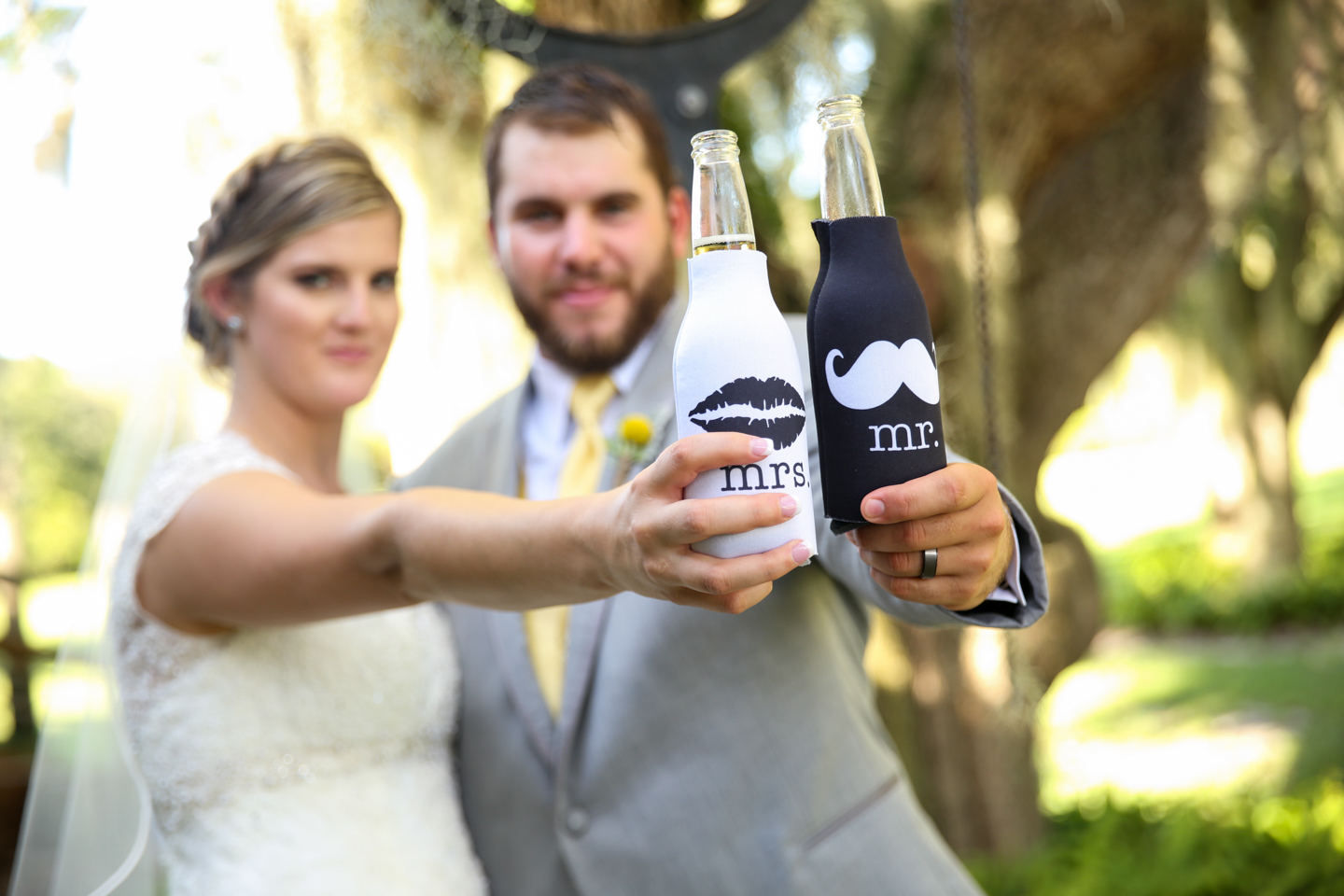 www.livehappystudio.com-wedding-photographer-orlando-fun-candid-portrait-coozies-custom-mrs-mr-bride-groom-15.jpg