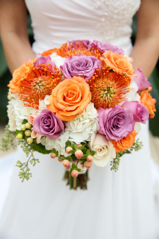 www.livehappystudio.com-wedding-photographer-orlando-fun-candid-portrait-flowers-gaylord-palms-7.jpg