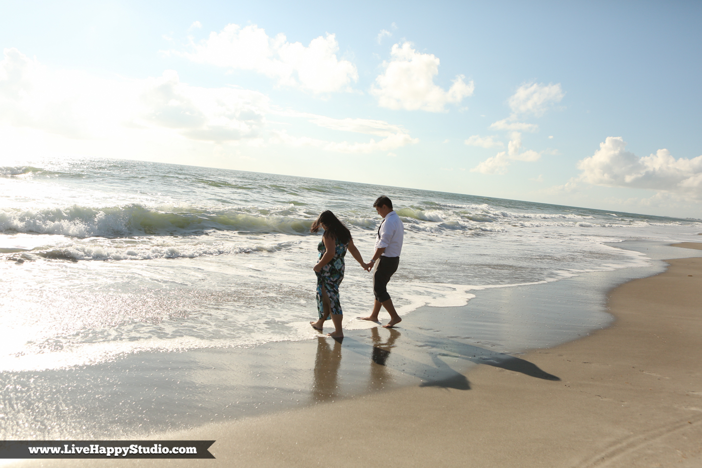 www.livehappystudio.com-engagement-wedding-photographer-orlando-fun-candid-portrait-cocoa-beach-9.jpg