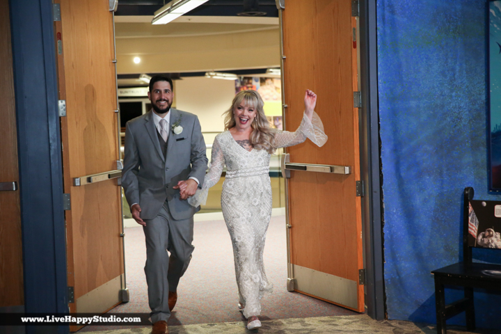 www.livehappystudio-orlando-science-center-wedding-photography-19.jpg