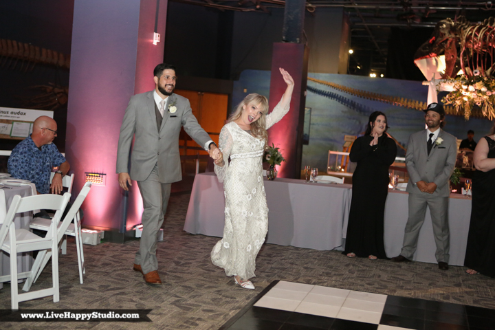 www.livehappystudio-orlando-science-center-wedding-photography-20.jpg
