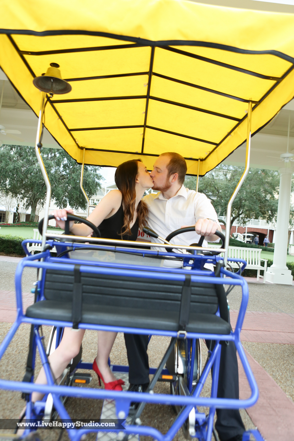 engagement-photographer-orlando-disney-photography-live-happy-studio-13.jpg