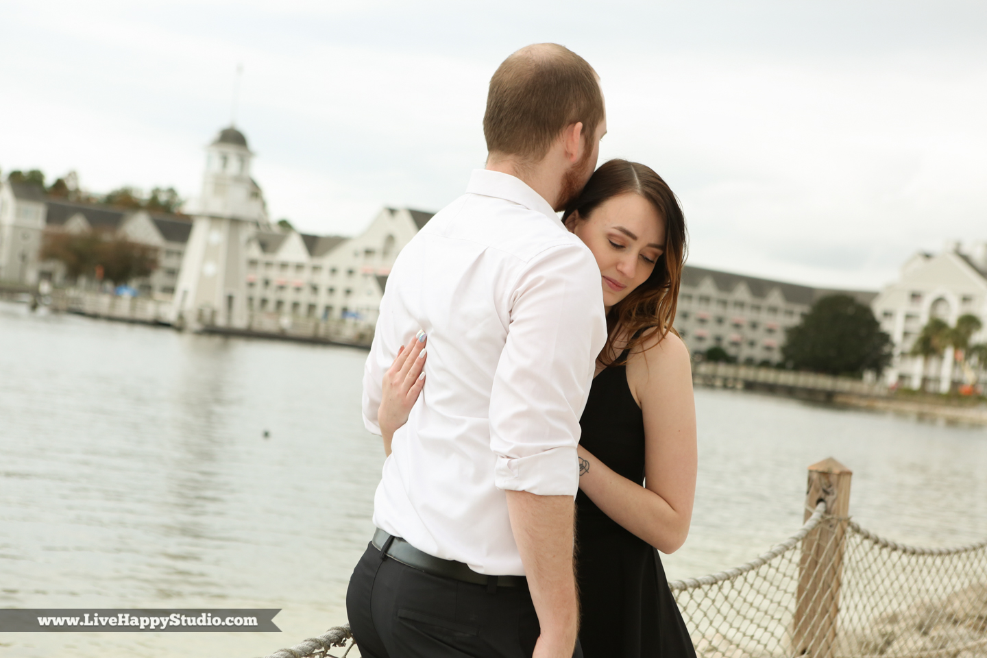 engagement-photographer-orlando-disney-photography-live-happy-studio-16.jpg
