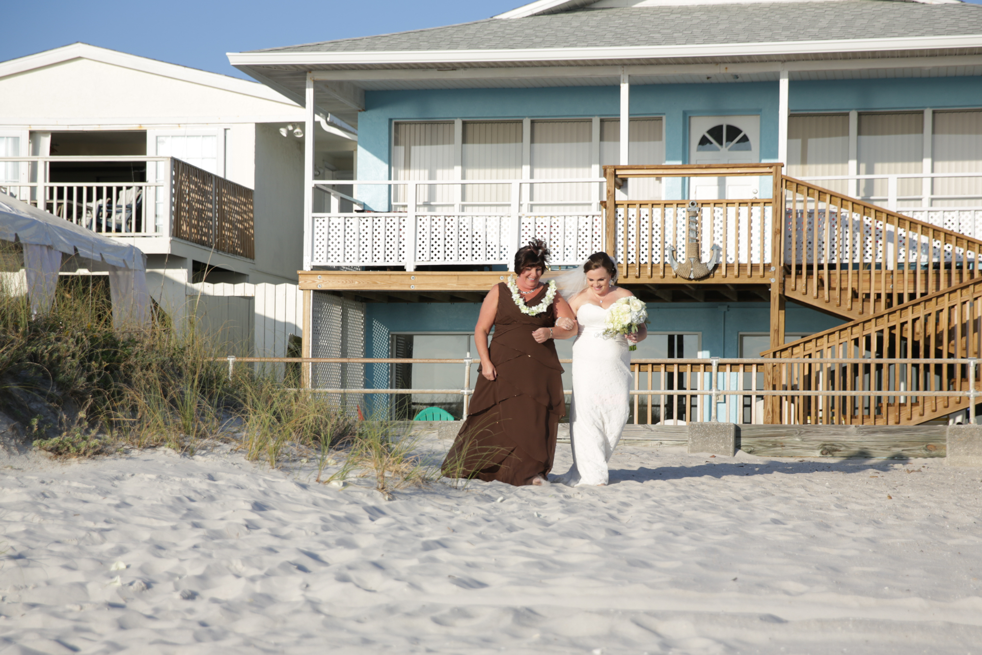 www.livehappystudio.com-intimtate-destination-orlando-wedding-photography-beach-ceremony-16.jpg