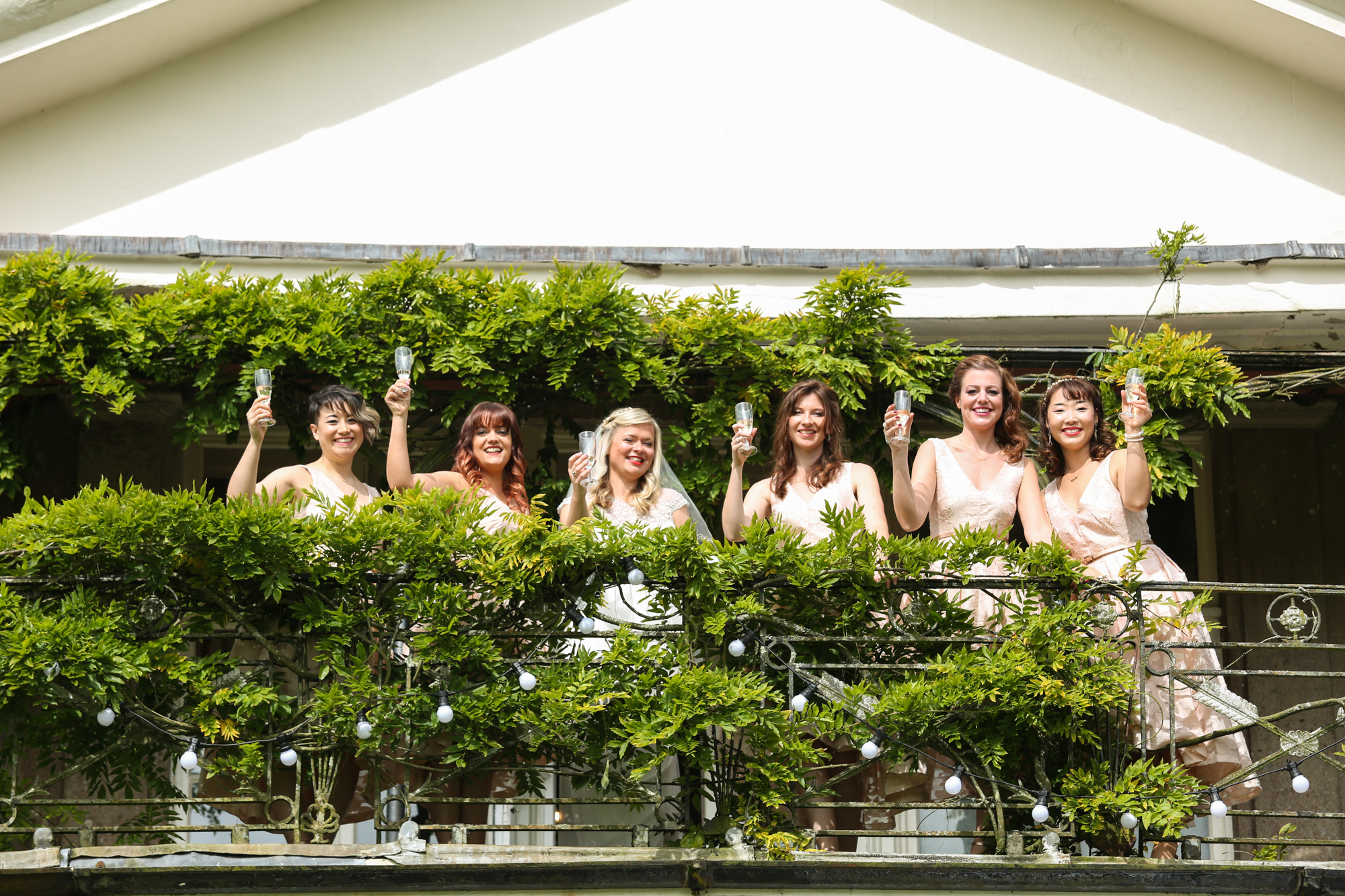 www.livehappystudio.com-intimtate-destination-orlando-wedding-photography-buckland-house-bridesmaids-59.jpg