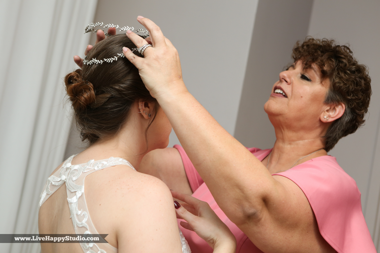 olando-science-center-wedding-photography-central-florida-quirky-dinosaurs-6.jpg