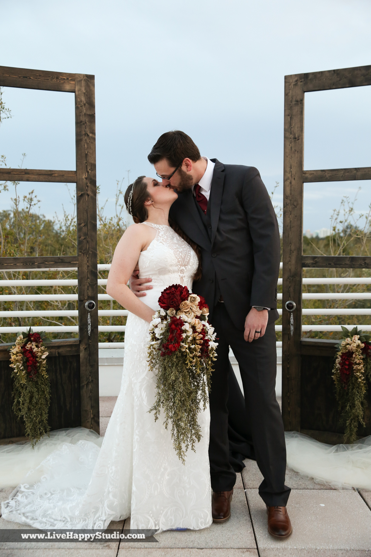 olando-science-center-wedding-photography-central-florida-quirky-dinosaurs-15.jpg