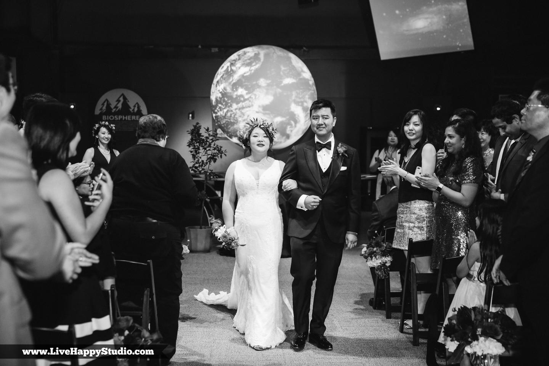 www.livehappystudio.com-orlando-science-center-museum-wedding-photography-photographer-candid-18.jpg
