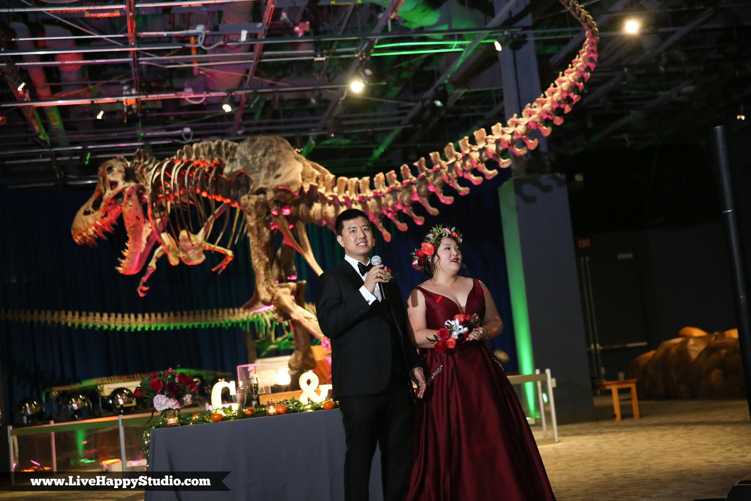 www.livehappystudio.com-orlando-science-center-museum-wedding-photography-photographer-candid-speech-dinosaur24.jpg