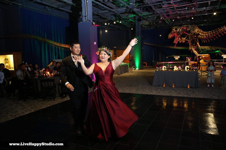 www.livehappystudio.com-orlando-science-center-museum-wedding-photography-photographer-candid-38.jpg