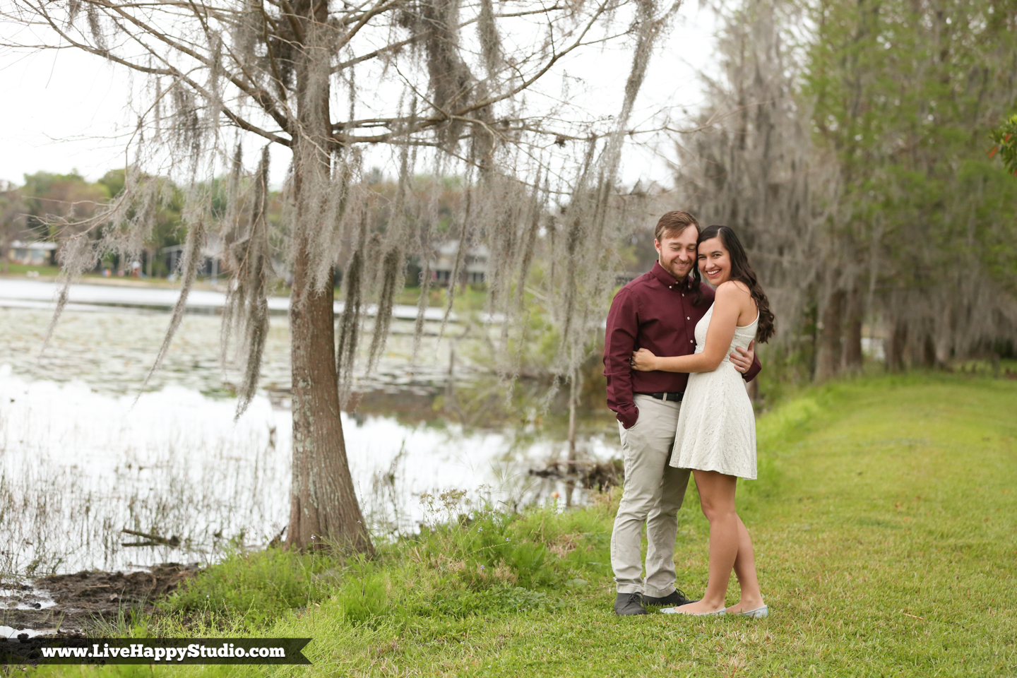 www.livehappystudio.com-cypress-grove-park-orlando-florida-engagement-photographer-candid-lake-nature9.jpg