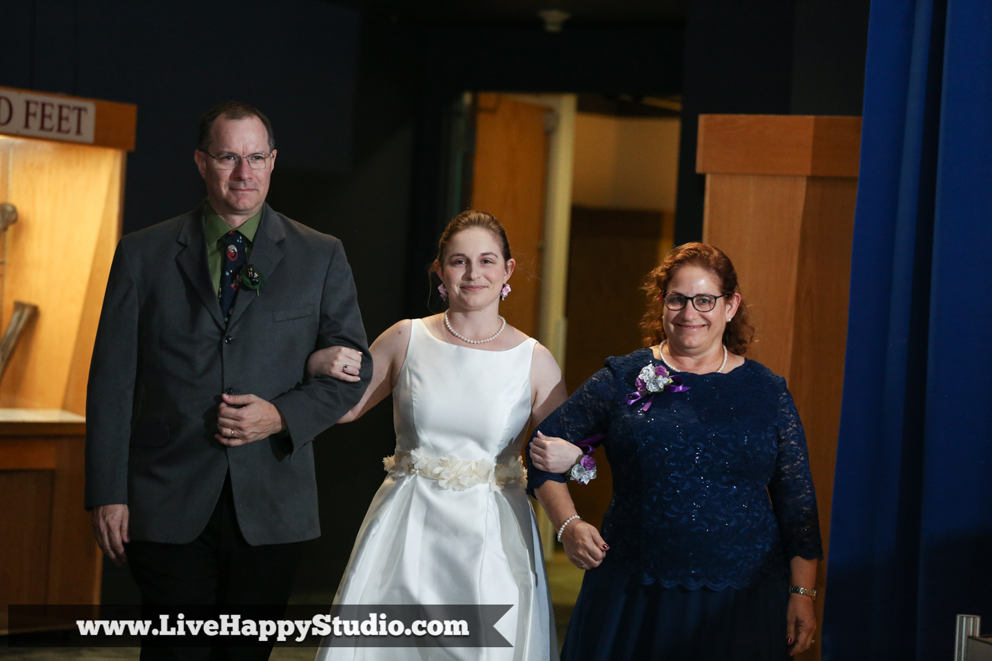 orlando-science-center-wedding-photography-live-happy-dino-digs-6.jpg