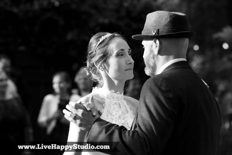first dance  orlando wedding photography  orlando wedding photographer  harmony gardens wedding venue orlando