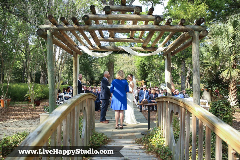 orlando-wedding-photography-harmony-gardens-rustic-outdoor-wedding-venue-deland-live-happy-studio-32.jpg