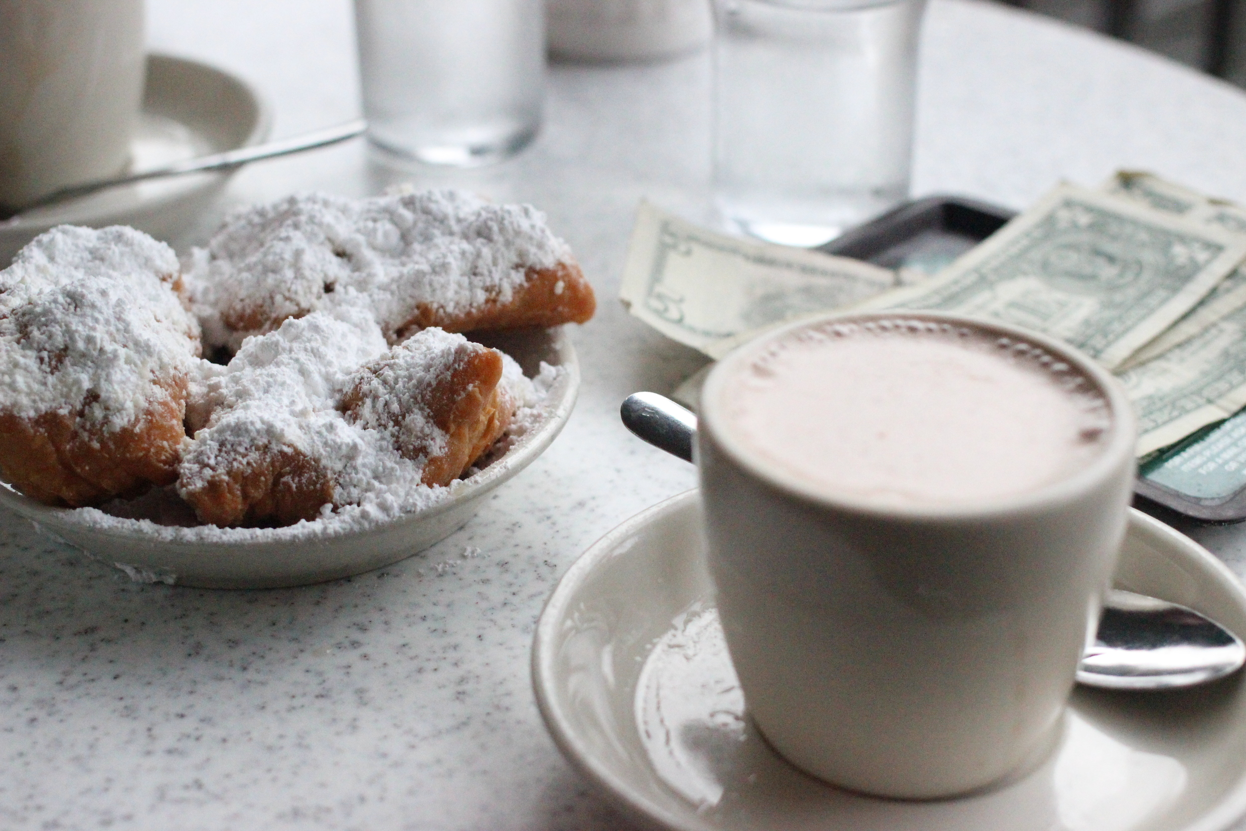 Beignets & hot chocolate