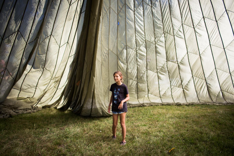 Eva in the parachute