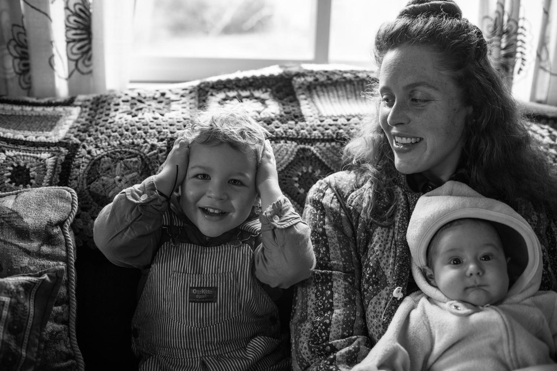 modern motherhood series roseannbathphoto interview with suuzi