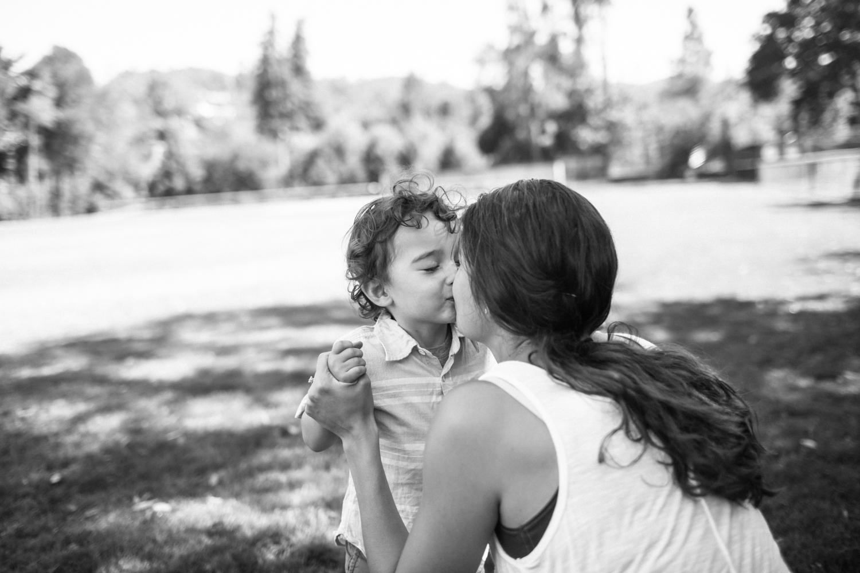 nevada county family photographer natural light documentary