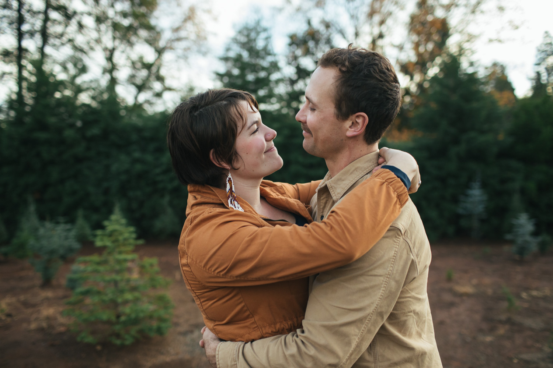 grass-valley-nevada-city-engagement-couples-wedding-photographer.jpg