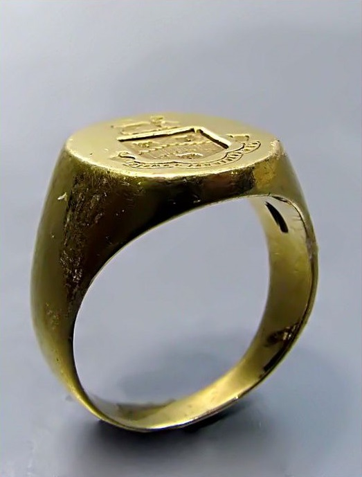 Antique Cartier18K Yellow Gold Victorian Signet Ring.  Source.