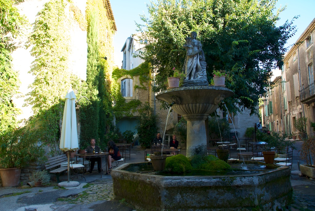 AN AUBERGE IN THE LUBERON